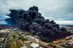 """""""Warehouse Fire"""" 2. Platz in der Kategorie """"Urban"""" © Byron du Bois"""